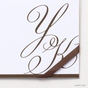 結婚式 招待状 Initial ブラウン / リボン ブラウン イメージ