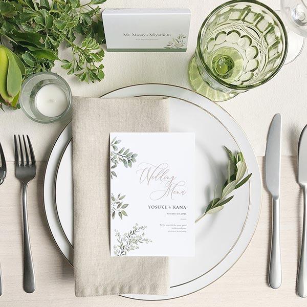 テーブルコーディネートが華やかになるだけではない!結婚式でメニュー表を準備するメリットとは?