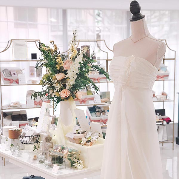 """ショールーム """"WEDDING LOUNGE TOKYO"""" 年末年始休業日のお知らせ"""