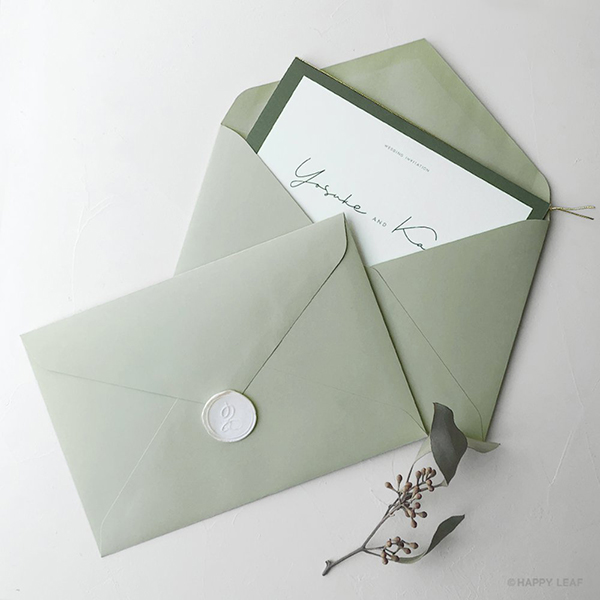 結婚式DIY専門店 HAPPY LEAF Craft からトレンドの「カラー封筒」が新登場!海外ウエディングのようなオシャレな招待状に◎